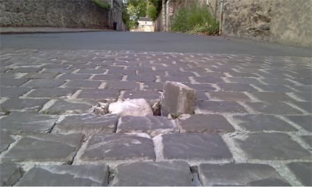 Zone pavée de la rue des Saulniers à hauteur de la rue des Grives